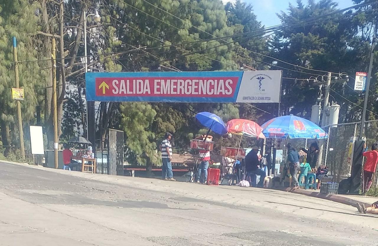 Vendedores impiden ingreso de ambulancias