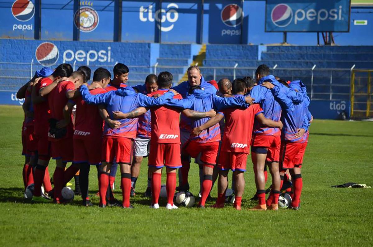 Xelajú regresa a los entrenos con 10 jugadores del equipo mayor