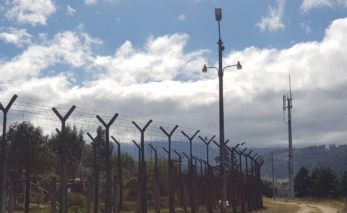 Instalan bloqueadores de señal en Granja Penal Cantel