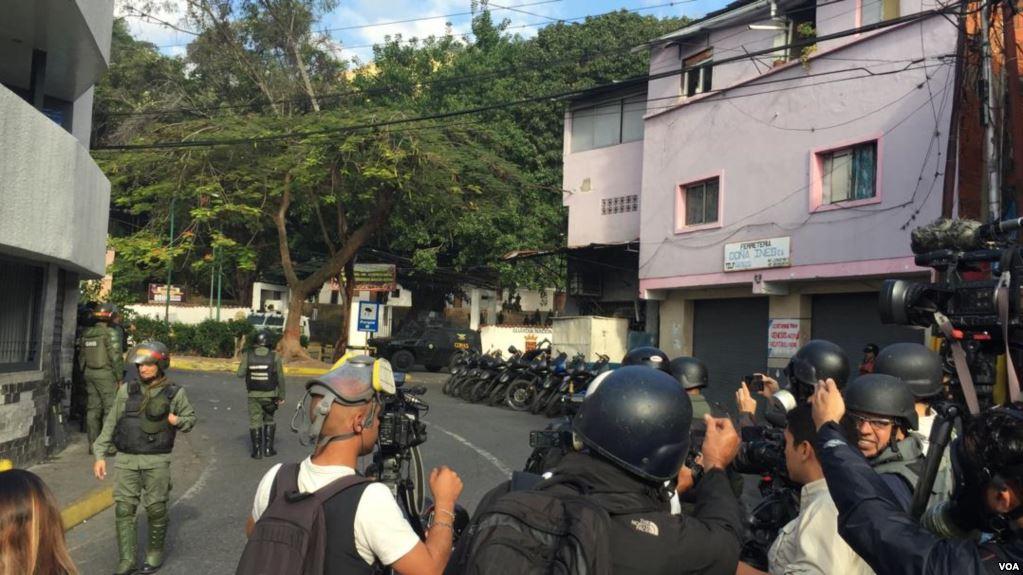 Venezuela: Capturan a hombres uniformados que pidieron desconocer a Maduro