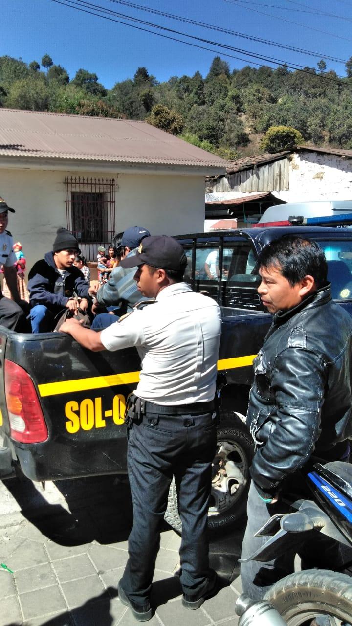 Pobladores capturan a presuntos delincuentes y exigen que se les castigue