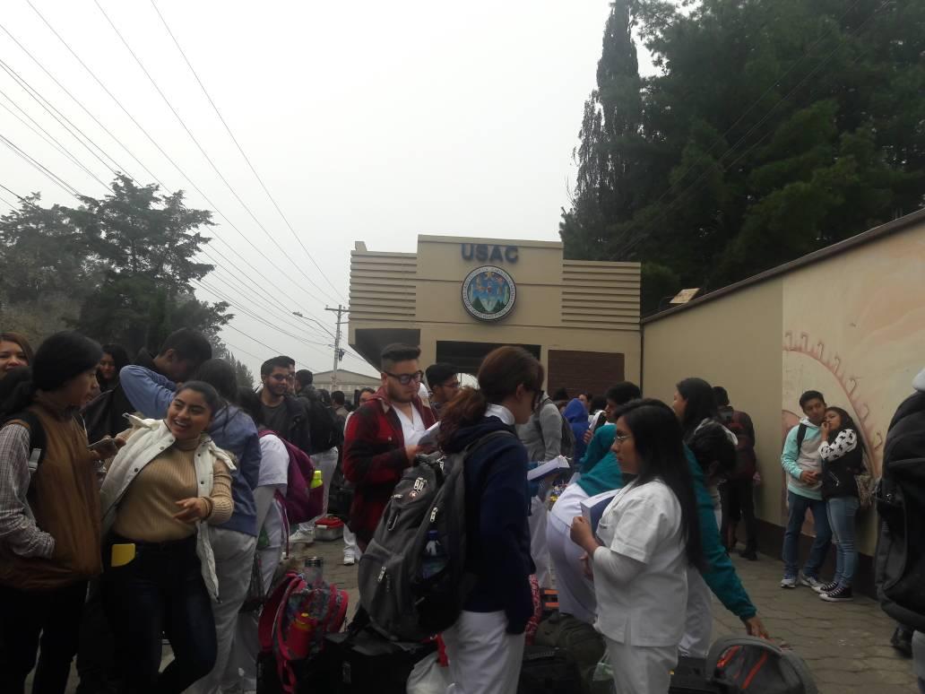 Encapuchados exigen elección de nuevas autoridades del Cunoc