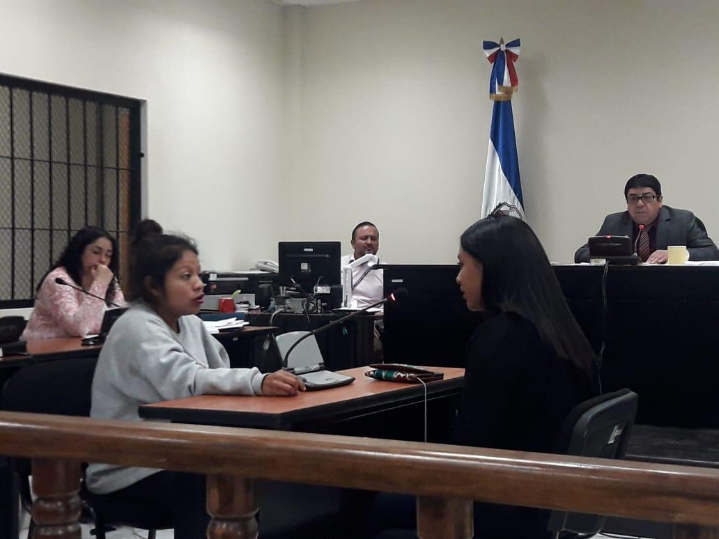 Inicia debate contra mujer capturada con arma hechiza en Xela