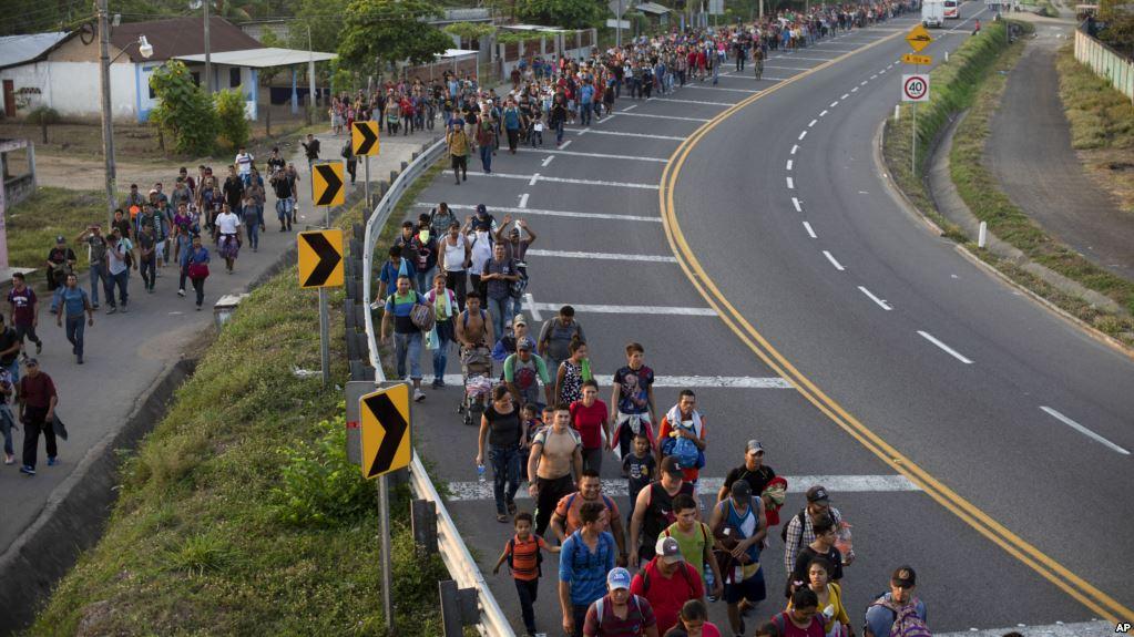 México deporta decenas de migrantes cubanos y hondureños