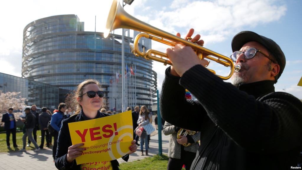 Países europeos confirman controvertida reforma sobre derechos de autor