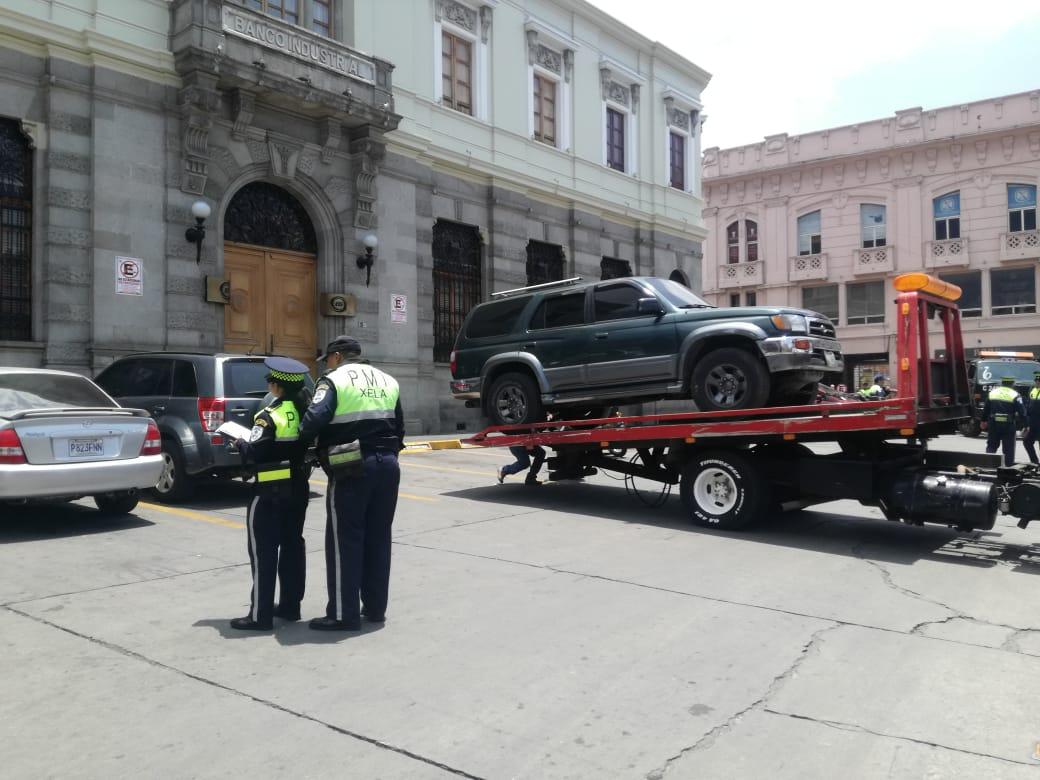 ¿Cuántos vehículos consigna la PMTQ en Semana Santa?