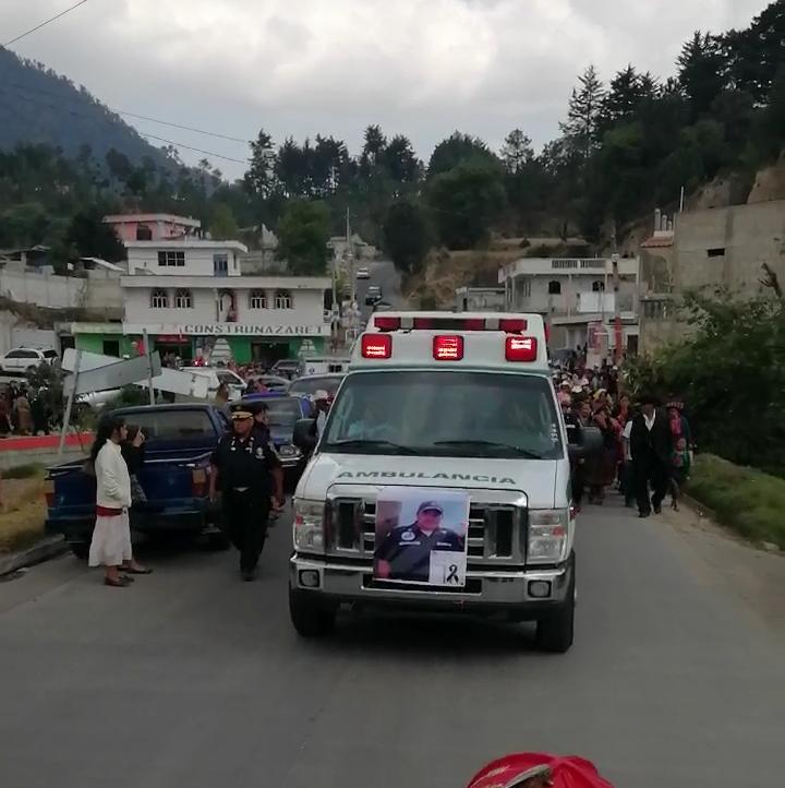 Sepultan a bombero asesinado en San Miguel Sigüilá