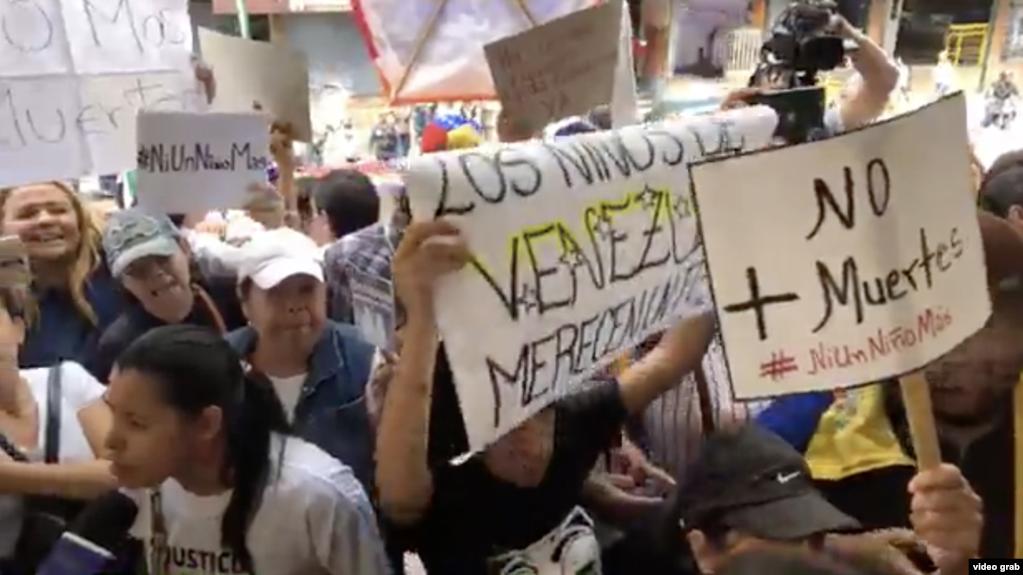 Venezuela: Fallecen dos niños más en principal hospital pediátrico del país