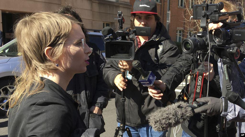 Juez envía a Manning a prisión por rehusarse a testificar