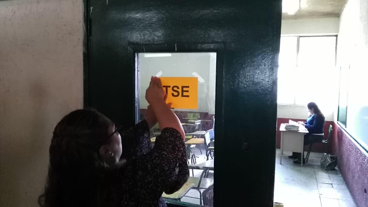 Llega mobiliario electoral a Quetzaltenango