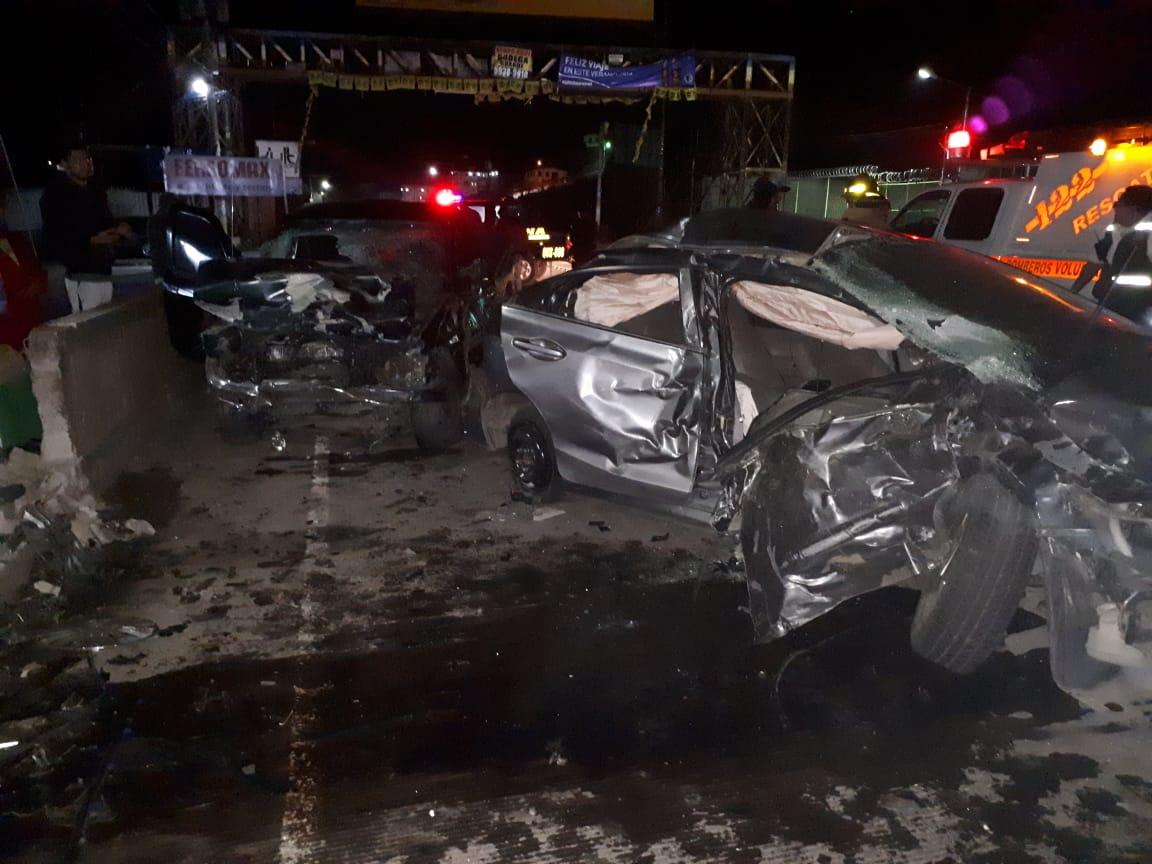 Velocidad y alcohol deja cinco heridos tras colisión vehicular