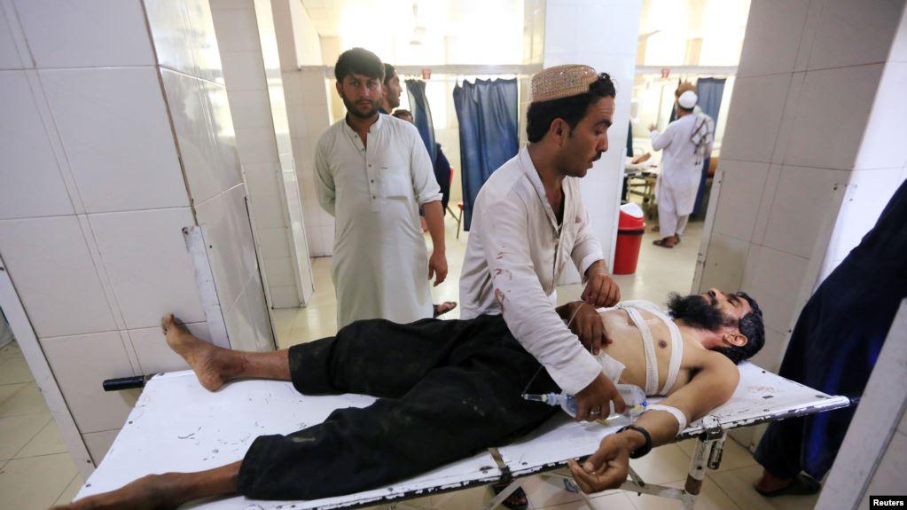 Niño mata a cinco personas y se suicida al detonar bomba en una boda en Afganistán