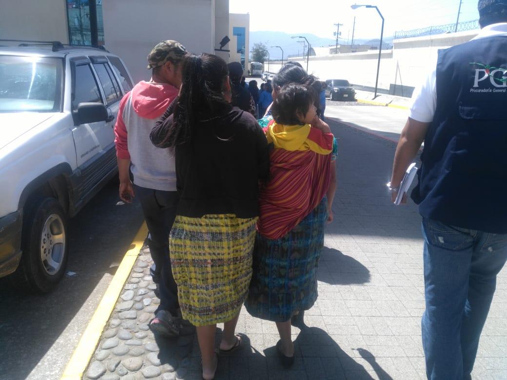 Rescatan a niños explotados en operativo en Xela y Olintepeque