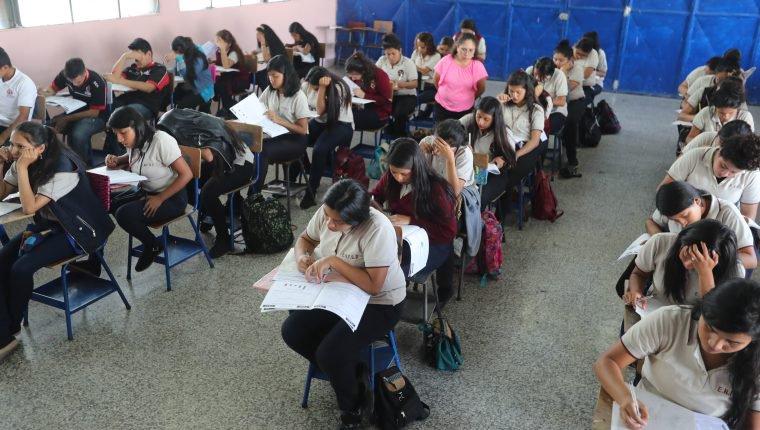 ¿Cuándo serán las evaluaciones a graduandos en Quetzaltenango?