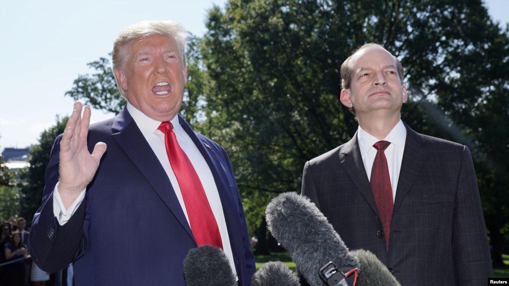 Renuncia secretario de Trabajo de EE.UU. Alexander Acosta por caso Epstein