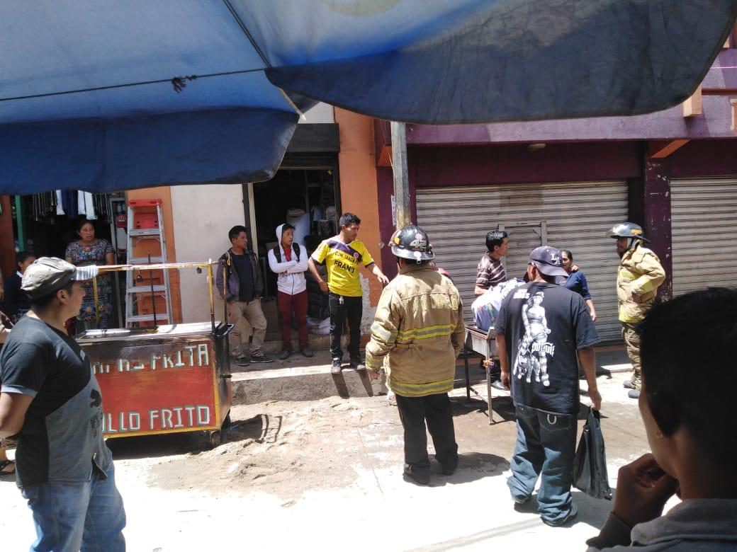 Incendio en venta de papas fritas deja una mujer y bebé heridos
