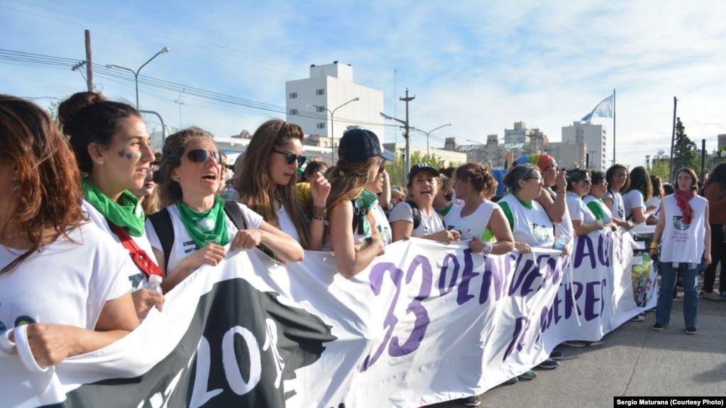 OIT: mujeres de América Latina y el Caribe ganan menos a nivel laboral