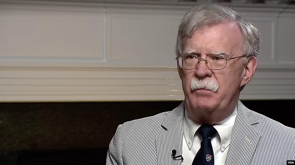 Bolton: EE.UU. discutió «a espaldas» de Maduro sobre «su partida y elecciones libres y justas»