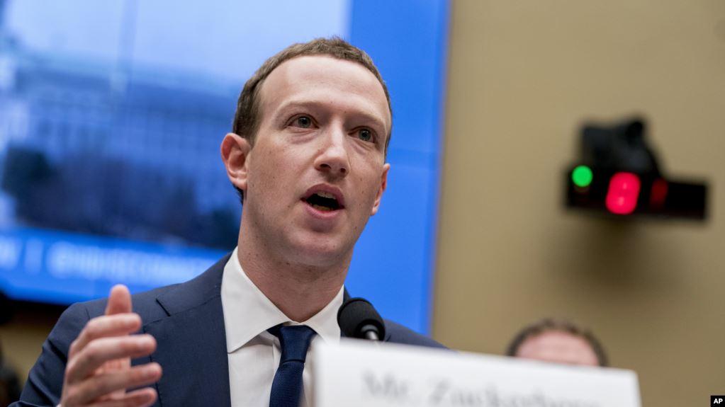 Senador de EE. UU. pregunta a Zuckerberg sobre testimonio de 2018