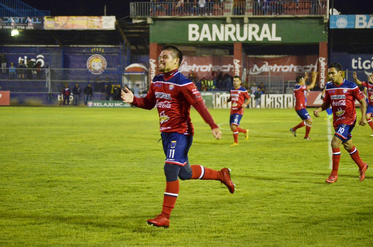 Xelajú celebra su primer triunfo en el torneo