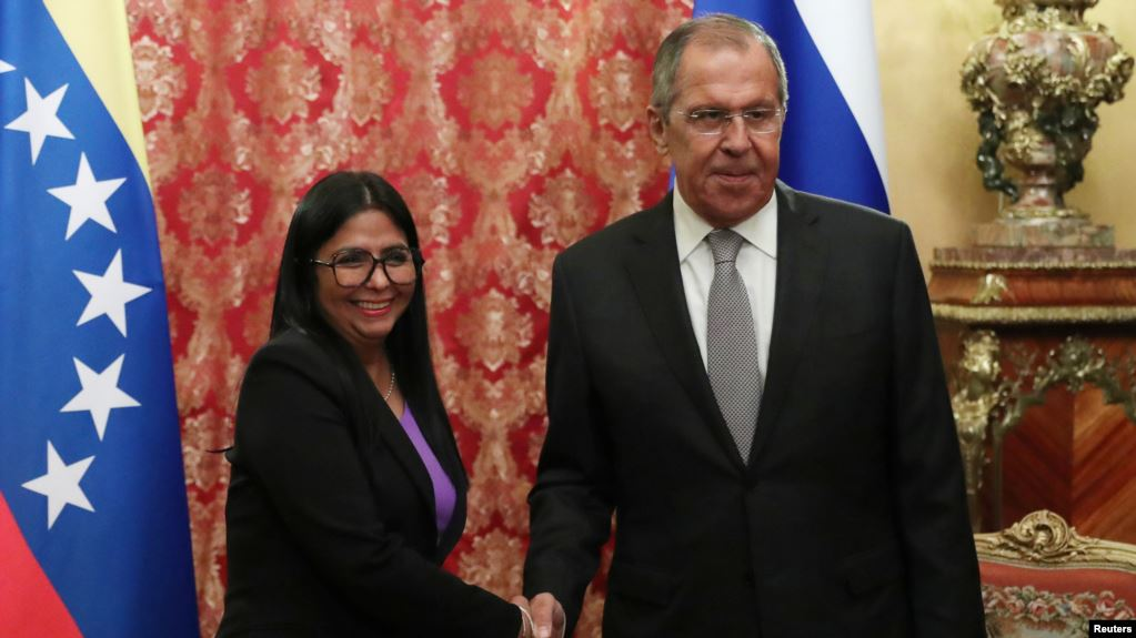 Canciller ruso y vicepresidenta de Venezuela reafirman alianza en Moscú