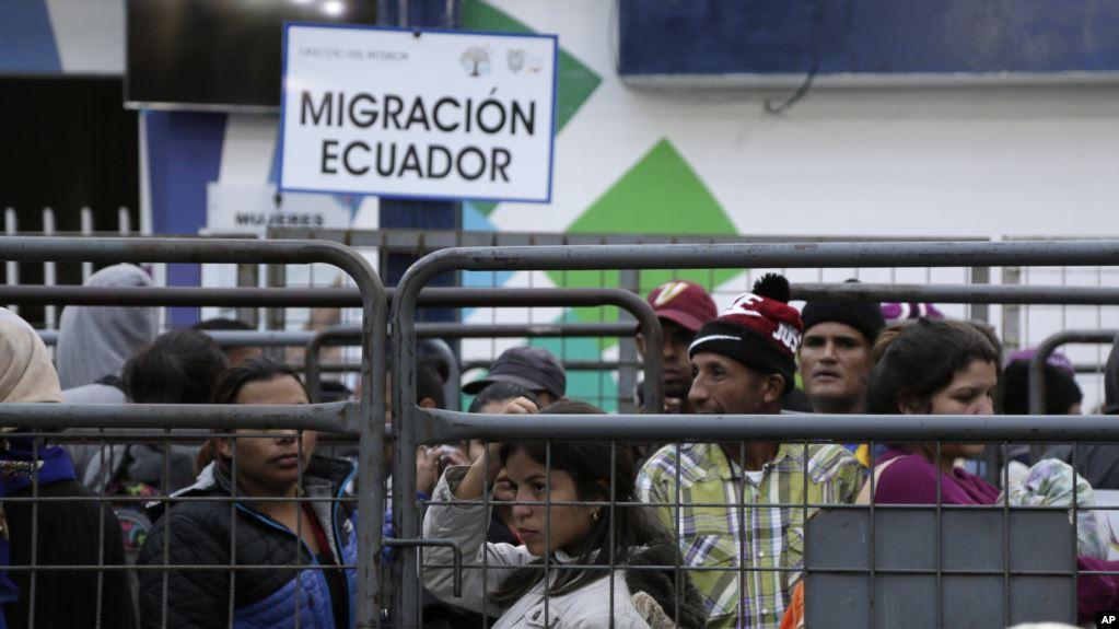 Ecuador inicia censo a migrantes venezolanos
