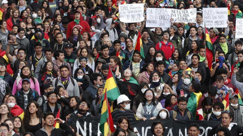 Cómputo final le da triunfo a Evo Morales mientras aumentan las protestas