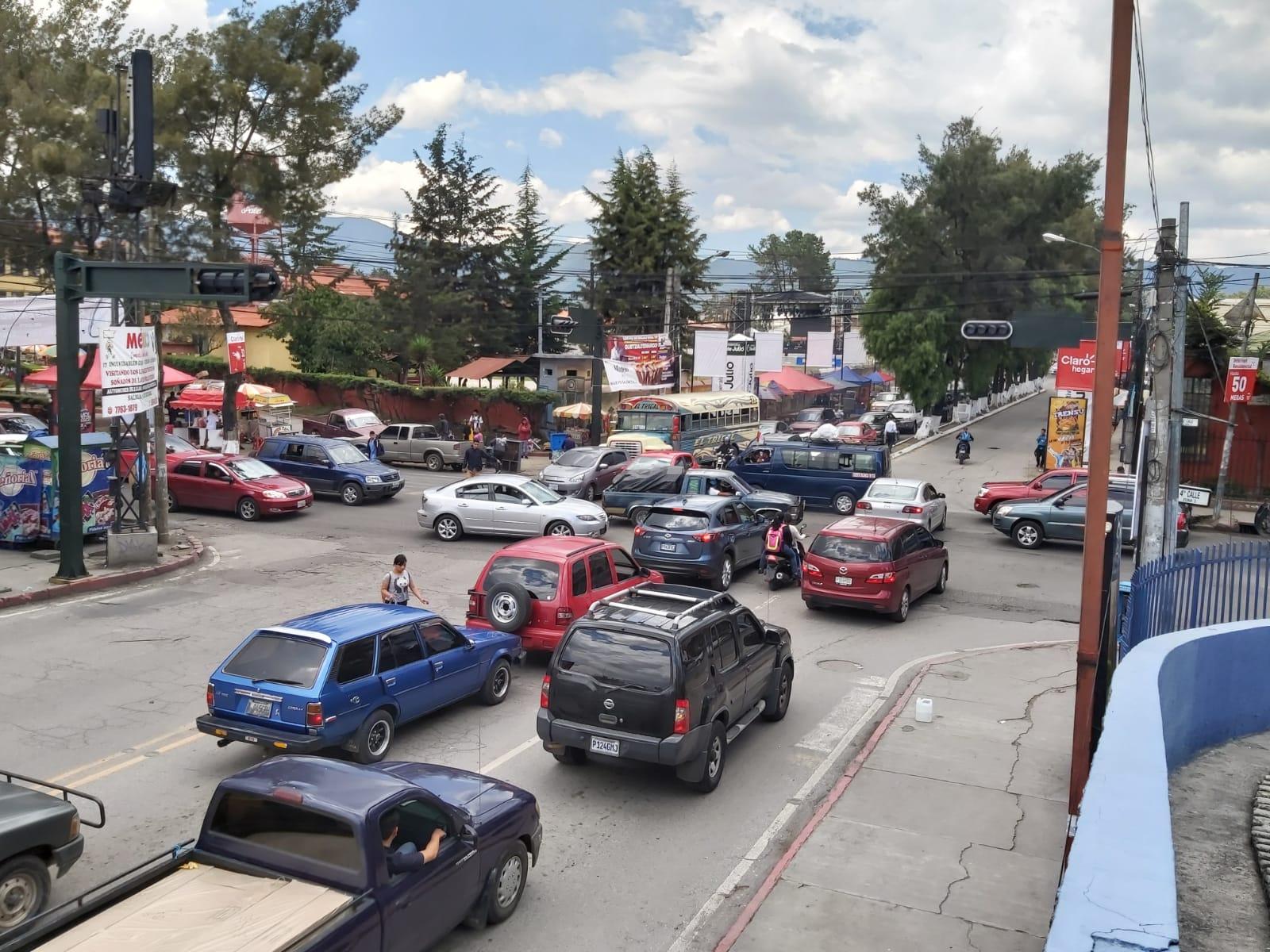 ¿Disminuye carga vehicular en la ciudad de Quetzaltenango?