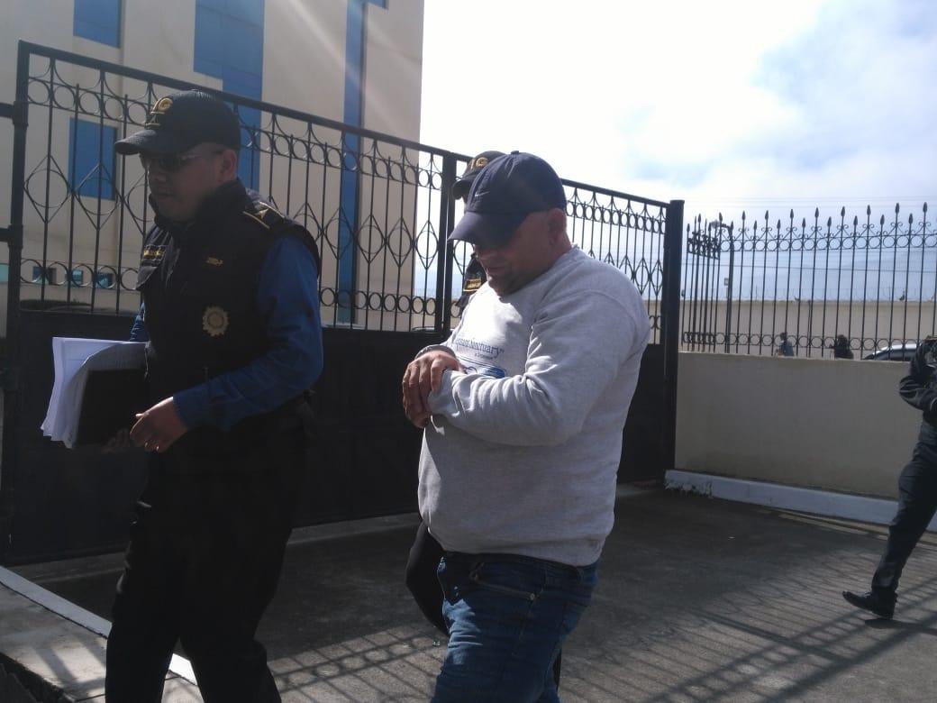 Capturan en Quetzaltenango a ligado en tumbe de drogas y dinero