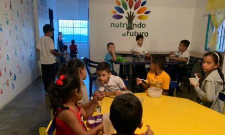 Nutriendo el futuro: Único comedor nocturno de Venezuela
