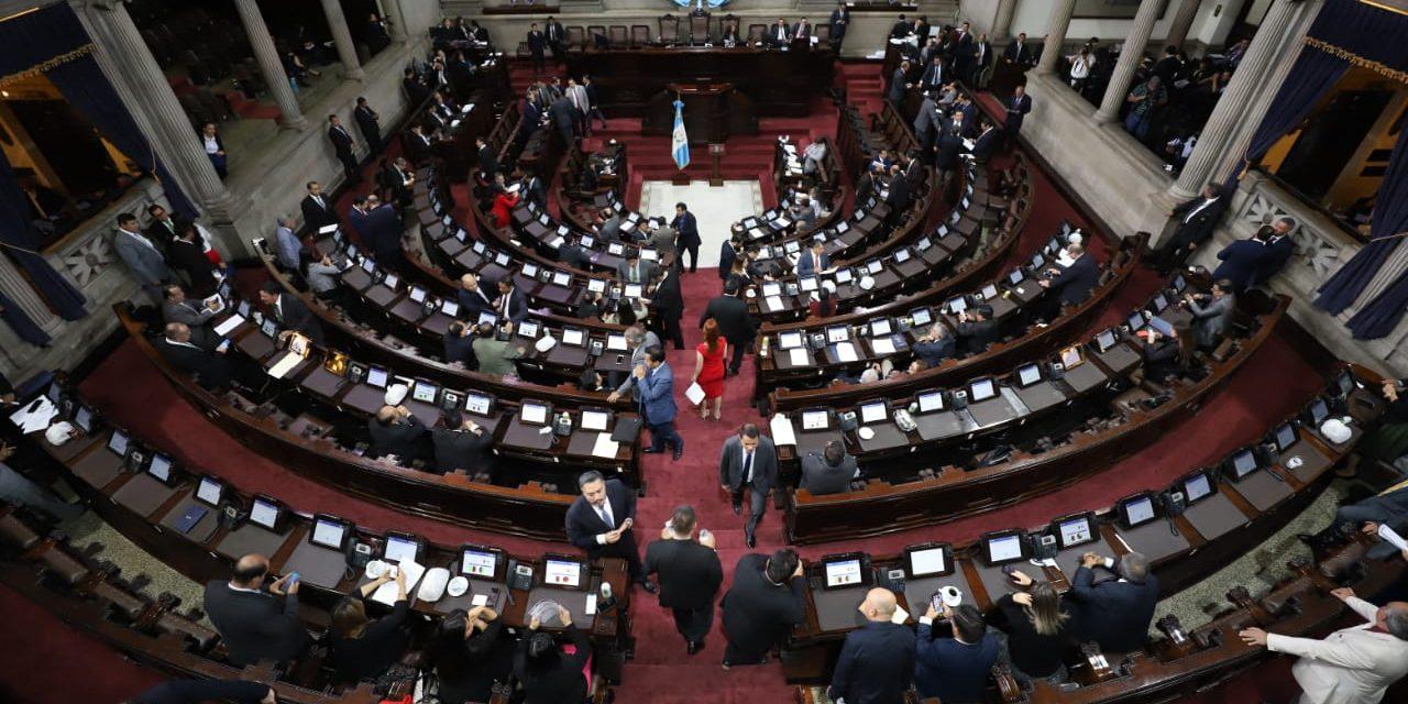Cuatro diputados por Quetzaltenango votaron a favor de aceptar cargos para reducir penas