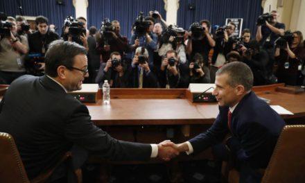 Audiencia judicial prepara escenario para cargos de juicio político a Trump