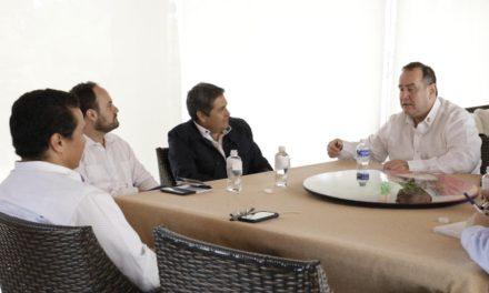 Presidente de Honduras, recibe a Alejandro Giammattei