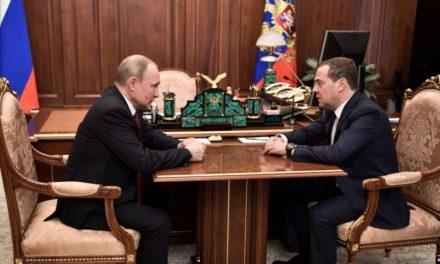TASS: Renuncia primer ministro ruso Dimitri Medvedev