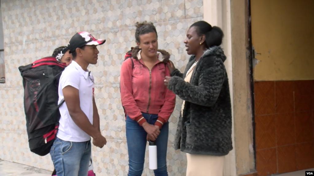 """«Mamá coraje"""" la mujer que le abrió las puertas de su casa a los caminantes"""