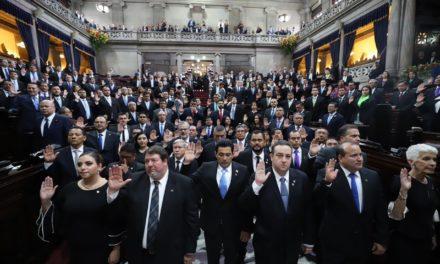 Juramentan a diputados para el periodo legislativo 2020-2024