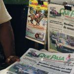 """""""Estás desubicado, no tienes cómo informarte"""": el efecto de estar sin periódicos en Venezuela"""