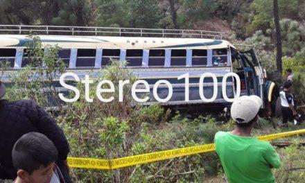 Piloto de bus muere en accidente en Totonicapán