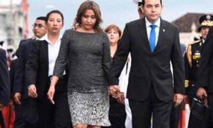 Esposa de expresidente Jimmy Morales estaría ligada a un caso de corrupción