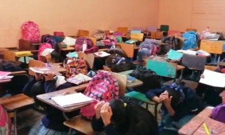 Estudiantes del INSO participan en simulacro de sismo