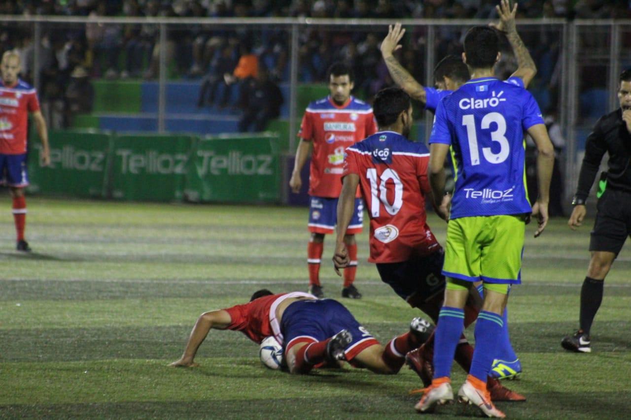 Xelajú se complica, aún más, con su derrota en Mixco