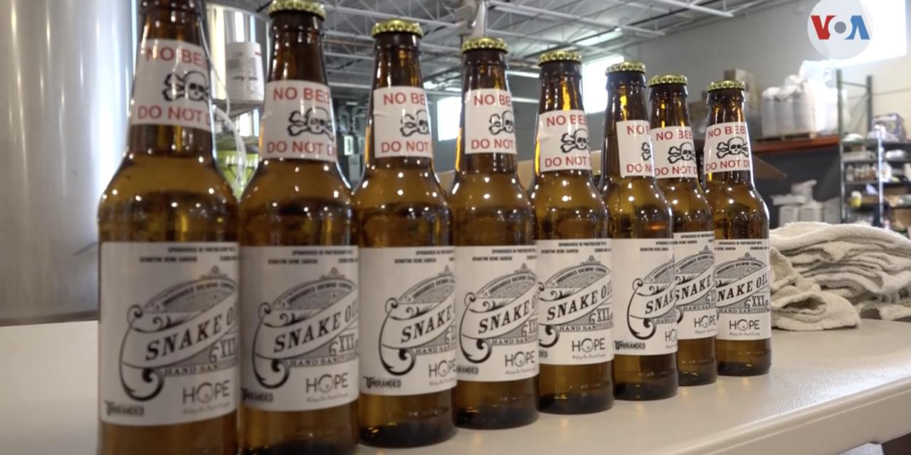 Reparten botellas de cerveza con alcohol desinfectante para el sur de la Florida