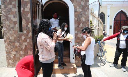 Iglesia entrega alimentos por Covid-19