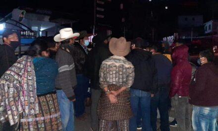 Mercado en Sololá ignora medidas sanitarias y corre el riesgo de cierre