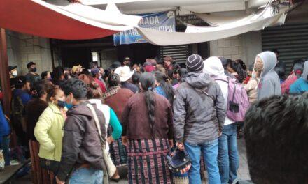 Desacatan disposiciones en Panajachel
