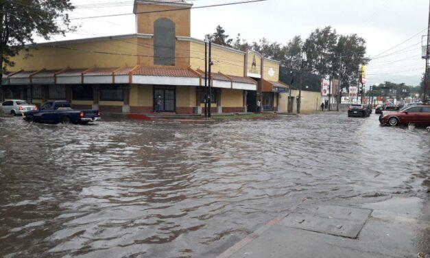 Llegan las lluvias a Quetzaltenango y media ciudad se queda sin energía eléctrica