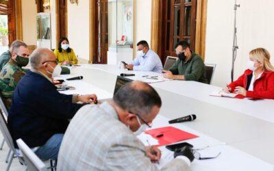Venezuela extiende un mes más restricción de vuelos comerciales por COVID-19