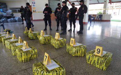 Les incautan más de 300 kilos de cocaína