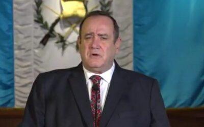 Presidente Giammattei confirma que asistió al médico en las últimas horas