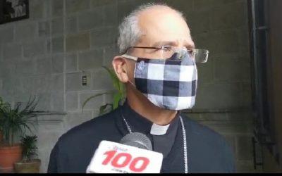 Oficiarán misa por muerte de monseñor Víctor Hugo Martínez